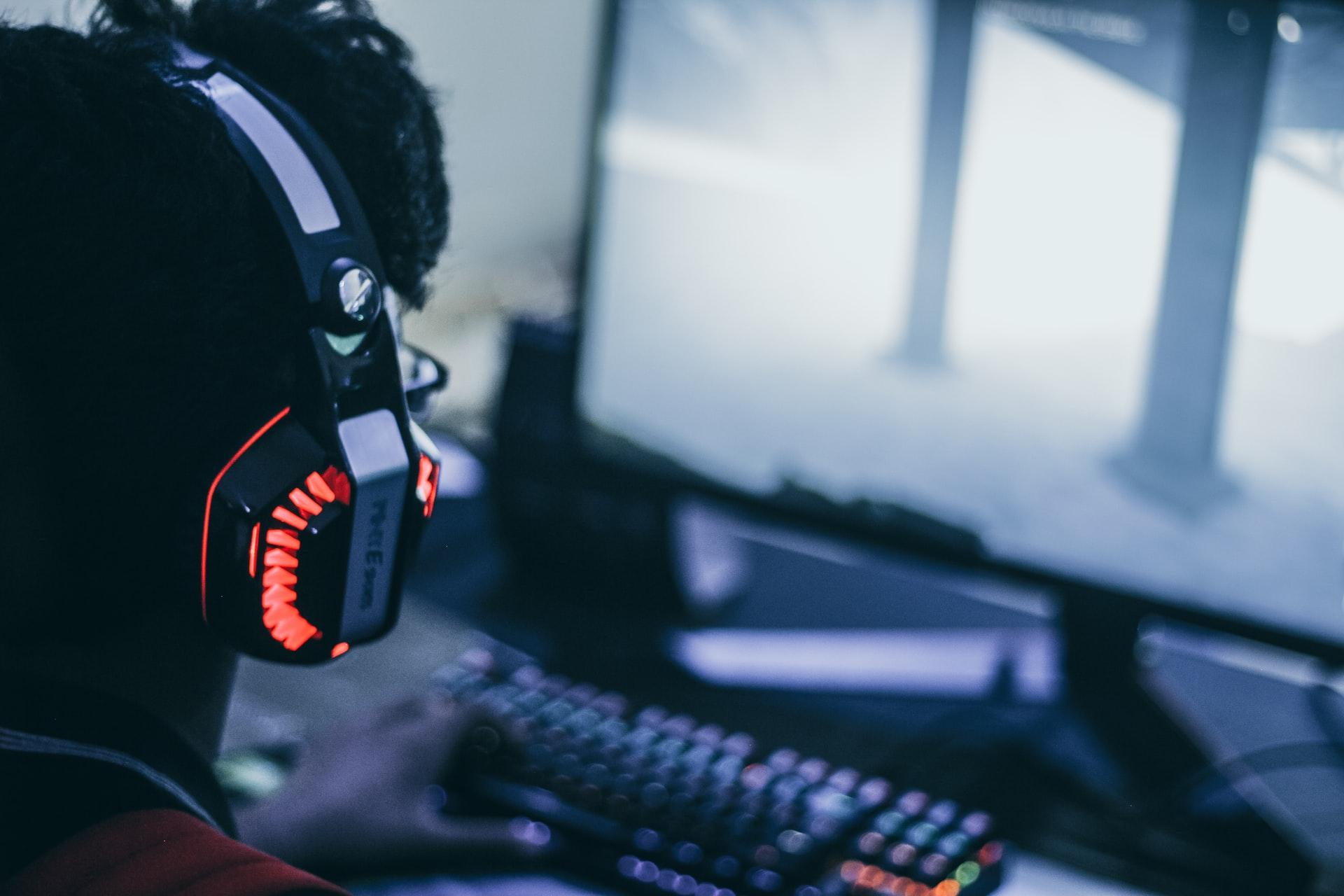 fredrick tendong 6ou8gWpS9ns unsplash 5 Best Gaming Headphones Under 2000
